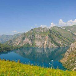 Lac Sary Chelek